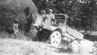 Próby autocarretta OM w sierpnia 1932 roku podczas manewrów w Umbrii