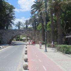 10. Tak wygląda obecnie most prowadzący do zamku widziany od strony morza.