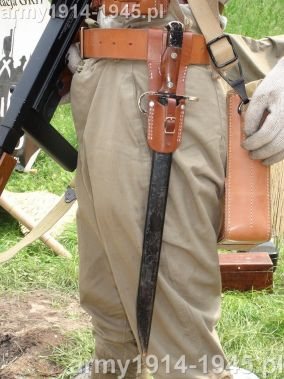 Słynny, budzący grozę wśród amerykańskich żołnierzy długi bagnet japoński do karabinu Arisaka.