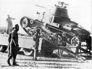 Załadunek niemal 15-tonowego czołgu na przyczepę nie był prosty.