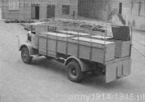 3Ro przystosowany do roli transportera amunicji dla zainstalowanych na samochodach 3Ro armat przeciwlotniczych 90/53.