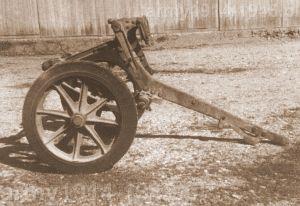 Drugi typ wózka mogący też służyć jako przodek działa.