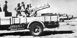 Listopad 1941 - działania podczas brytyjskiej operacji Crusander. Haubica 100/17 ustawiona na ciężarówce Lancia 3Ro poświęcony zostanie osobny artykuł.