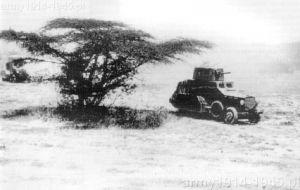 Fiaty 611B podczas działań w Abisynii. W wojnie tej w 1936 wzięło udział minimum 5 samochodów pancernych omawianego typu.