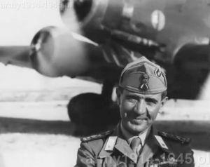 Na trzech kolejnych zdjęciach pułkownik Felice Leggio, dowodzący garnizonem włoskim na wyspie Kos i jedna z ofiar późniejszego niemieckiego barbarzyństwa. (Isola Coo)