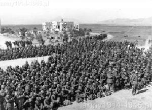 Rok 1943, żołnierze włoscy w Linopoti. (Isola Coo)
