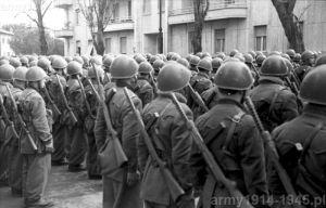 """Niektóre oddziały były w tę broń uzbrojone """"po zęby""""! Ale chodzi oczywiście o włoskie elitarne X-MAS"""
