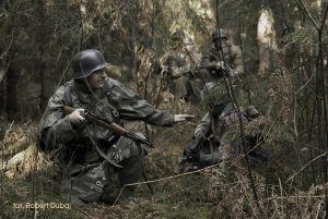 Zwiad drużyny piechoty WH w okolicach Wormditt (Orneta) listopad 1944.