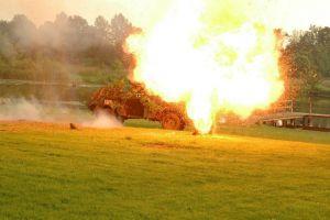 Eksplozja sdkfz 247 b po trafieniu radzieckim pociskiem moździerzowym operacja Bagration. Fot. Robert Dubaj