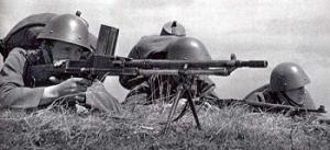 Żołnierze czescy na stanowisku z Lehky Kulomet ZB Vzor 30.