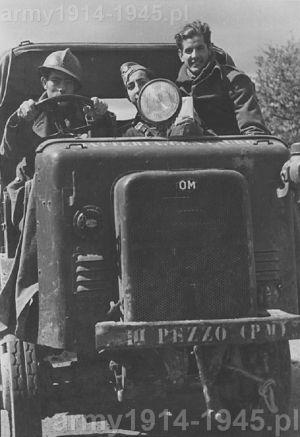 Jeszcze raz ten pojazd (Archivio Rojo AGA,33,F)