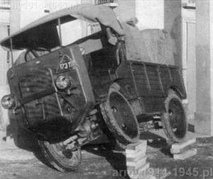 Autocarretta Ansaldo. Zdjęcie demonstruje stopień wrażliwości na przechyły boczne.