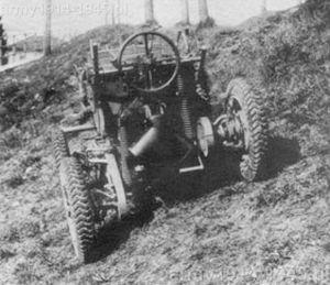 ... i na kołach (Moto Guzzi). Niestety pojazd pozostał ciekawostką techniczną.