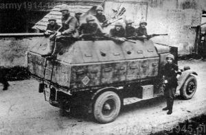 Renault ADK protetto 1 ° Gruppo Carr i San Giusto. Jugosławia 1943 r.