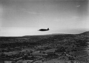 Nad miejscem lądowania (dzięki alieuomini.it zdjęcia ze zbiorów Archivio Centrale dello Stato)