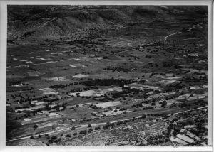 Obszar Kraneia na północ od stolicy wyspy Argostolioni (włoskie Argostoli) (dzięki alieuomini.it zdjęcia ze zbiorów Archivio Centrale dello Stato)
