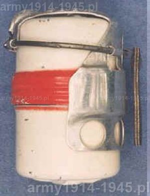 Granat używany do szkolenia z budowy granatu - nie zawierał ładunku wybuchowego (98° Corso A.U.C. Cesano)